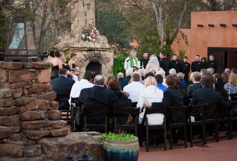 Outdoor wedding at Agave Road in Katy tx.